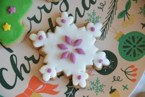 Recette de biscuits de Noël et trois manières de les décorer